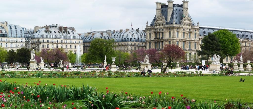 Le jardin vauclair bar ph m re du renaissance paris vend me for Le jardin paris 9
