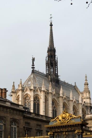 Sainte-Chapelle depuis les grilles du Palais de Justice - Franck Badaire - CMN
