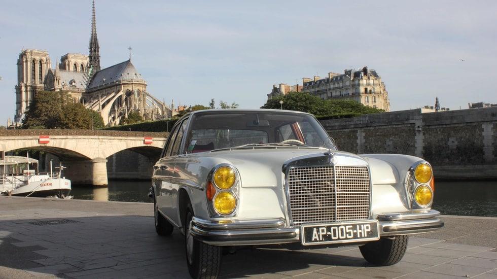 Avec Paris Balade, découvrez Paris à bord d'une voiture de collection