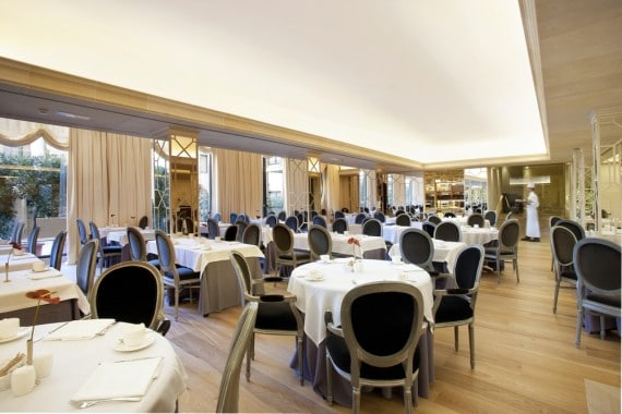 buffet-breakfast-room-majestic-hotel-spa-1