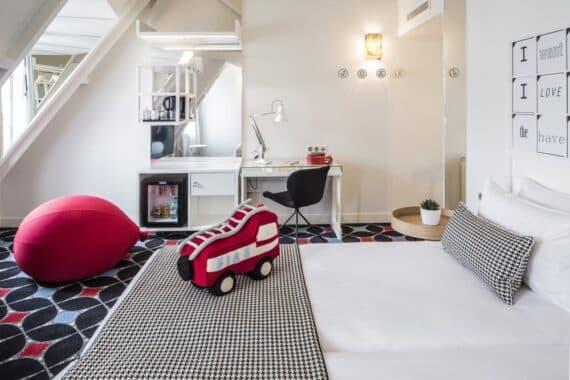 HOTEL JOKE - CHAMBRE NOIR&BLANC - CREDIT GUILLAUME GRASSET