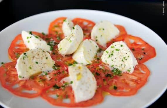 tomate-mozzarella-chef-italien-restaurant-brasserie-Paris-17eme-17-Cafe-dad-sympa1-620x402