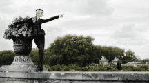 Karl Lagerfeld investit la Pinacothèque pour une exposition photos