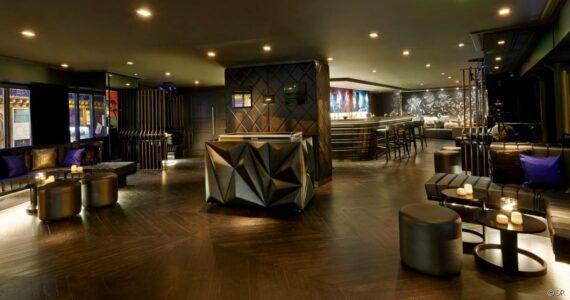 107871-du-nouveau-au-bar-brule-de-l-hotel-w-article_diapo-1