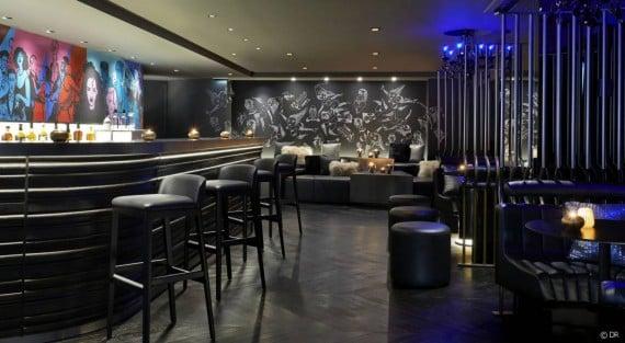 107886-du-nouveau-au-bar-brule-de-l-hotel-w-article_diapo-1