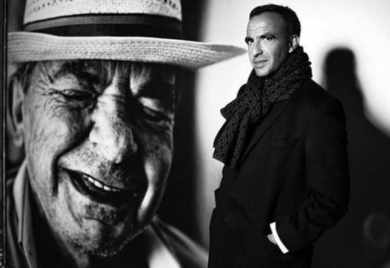 """""""Corps & Âmes"""" à la Conciergerie, l'expo photos de Nikos Aliagas remplie d'humanité"""