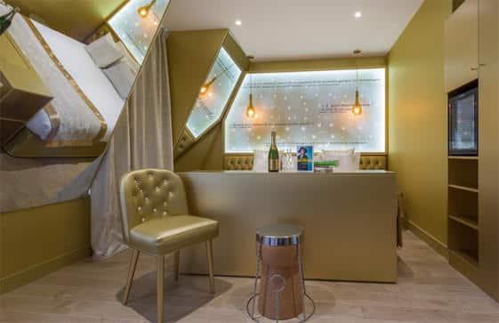 Les-Bulles-de-Paris-Suite-Amelie-Nothomb-2_ratio628x363