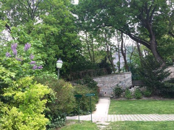 Jardins Renoir Montmartre 10