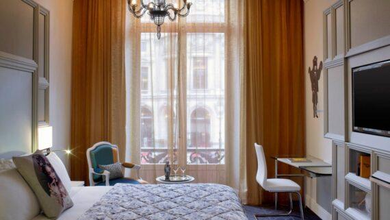 Spectacular_Room_2-2