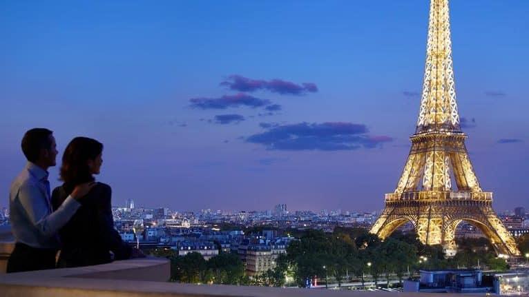 10 restaurants romantiques à Paris pour un premier rendez-vous