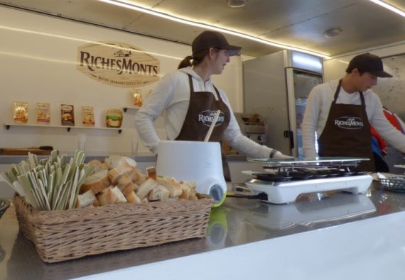 Foodtruck-RICHESMONTS-vue-interieure-1024x767