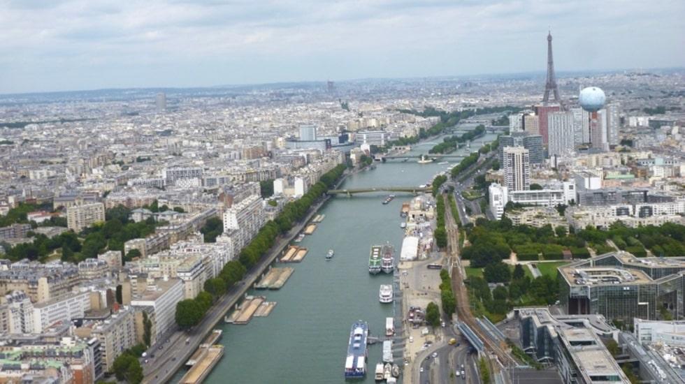 Survol de Paris en hélicoptère avec Hélipass pour une expérience unique