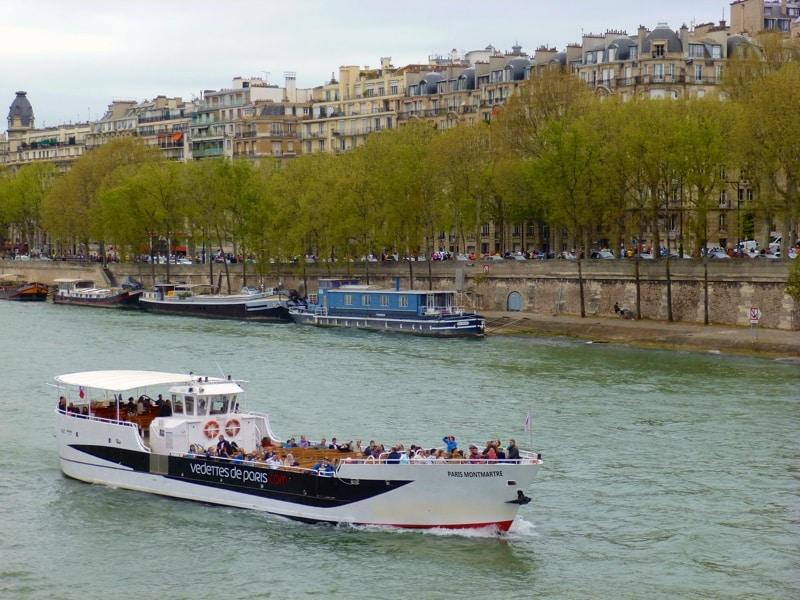Avec Vedettes de Paris, naviguez sur la Seine et découvrez le musée Grévin