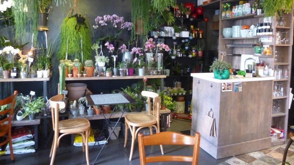 Brunchez healthy entouré de fleurs chez Les 2 au coin