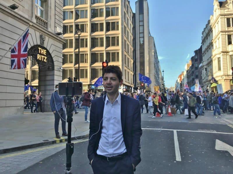 Alexander Seale, journaliste à Londres «Le Brexit, la Famille Royale et le sport sont mes spécialités.»