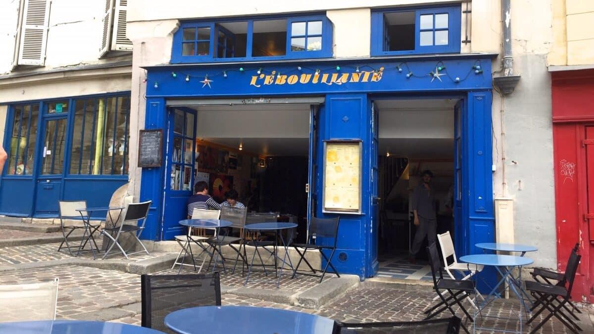 Brunch en terrasse à L'Ébouillanté, un café hors du temps